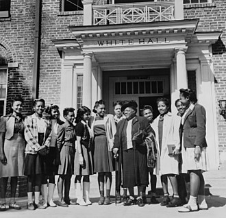 Bethune–Cookman University - Mary McLeod Bethune with a group of students in 1943