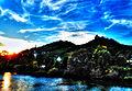 Die Mosel, der Ort Klotten und rechts oben die Ruine Coraidelstein (8574179799).jpg