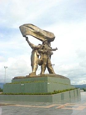Dien Bien Phu, statue.jpg