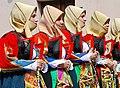 Donne di Orgosolo in processione.jpg