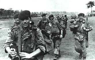 Kisangani - Belgian paratroopers in action during Operation Dragon Rouge in 1964