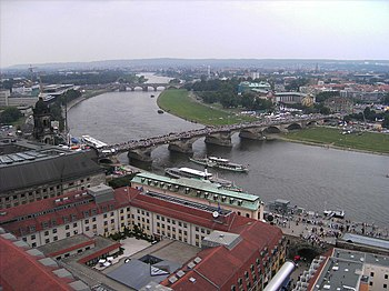 El Augustusbrücke durante una celebración de la ciudad