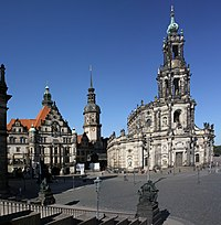 Dresden-Schlossplatz-Georgenbau-Hausmannsturm-Hofkirche-gje.jpg
