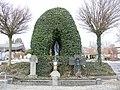 Ebenweiler Friedhof Lourdesgrotte.JPG