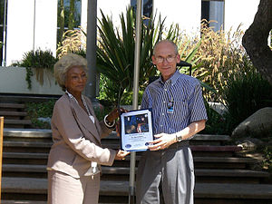 Edward C. Stone - Ed Stone receives an award from Nichelle Nichols on the 30th anniversary of the Voyager launches, 2007