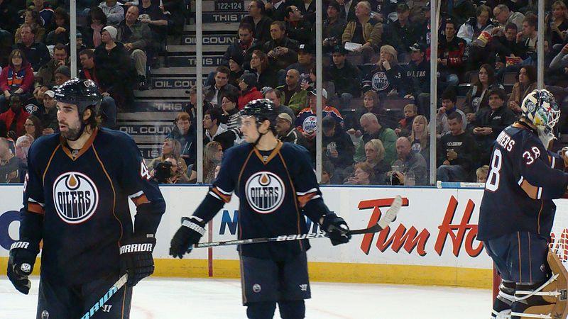 File:Edmonton Oilers NHL Hockey Players (46).jpg
