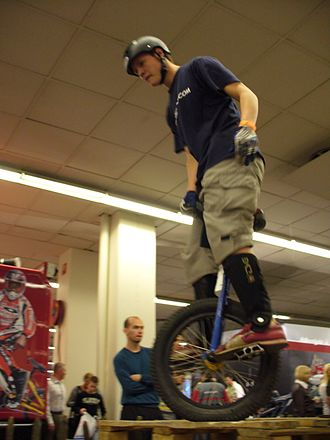 Unicycle trials - Unicycle trials