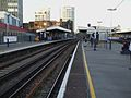 Elephant & Castle mainline stn Thameslink platforms look north2.JPG