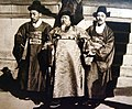 Emperor Gojong, center, with his court aides (Yonhap News).jpg