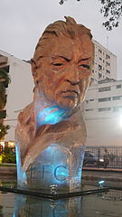 Busto de León Febres-Cordero