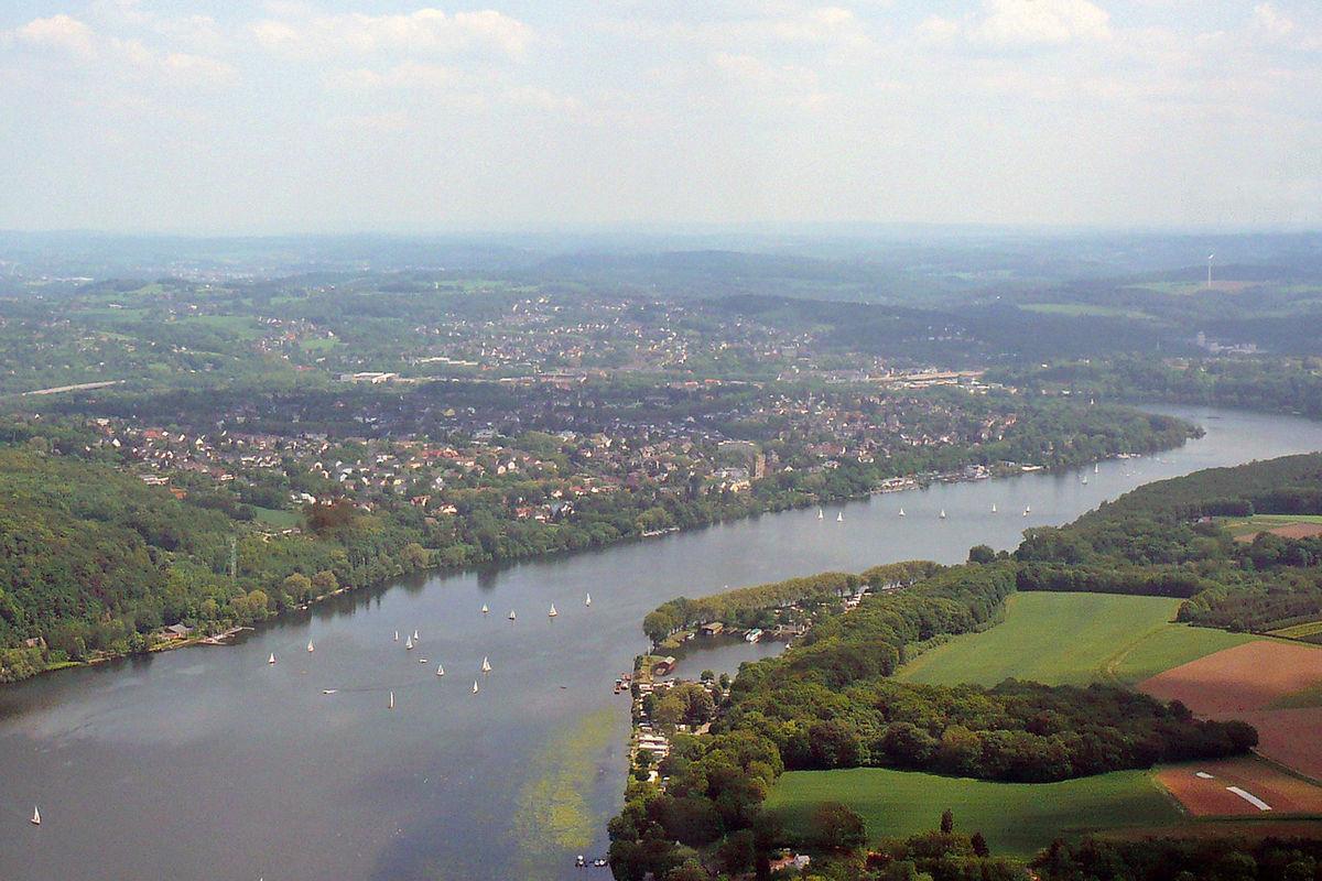 File:Essen-Heisingen, Luftbild.JPG - Wikimedia Commons