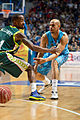 Estudiantes vs Unicaja Málaga - Josh Fisher y Earl Calloway.jpg