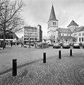 Exterieur overzicht gebouw met omgeving (o.a. kerk) - Heerlen - 20001041 - RCE.jpg