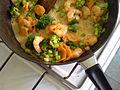 Flickr - cyclonebill - Tigerrejer, broccoli og gulerødder med kokosmælk og szechuan-peber.jpg