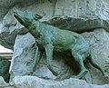 Fontaine Duvignau Loup Tarbes 150707.jpg