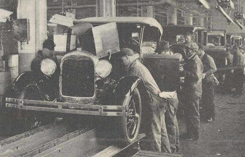File:Ford Motor Company assembly line.jpg
