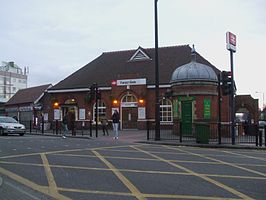 Forest Gate stn building.JPG