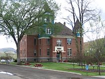 Fossil, Oregon Courthouse.jpg