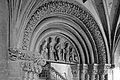 Frankfurt Am Main-Leonhardskirche-Engelbertusportal-Detail-SW-20080318.jpg
