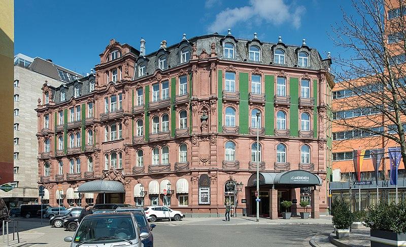 Frankfurt Hotel Mit K Ef Bf Bdche Bahnhof
