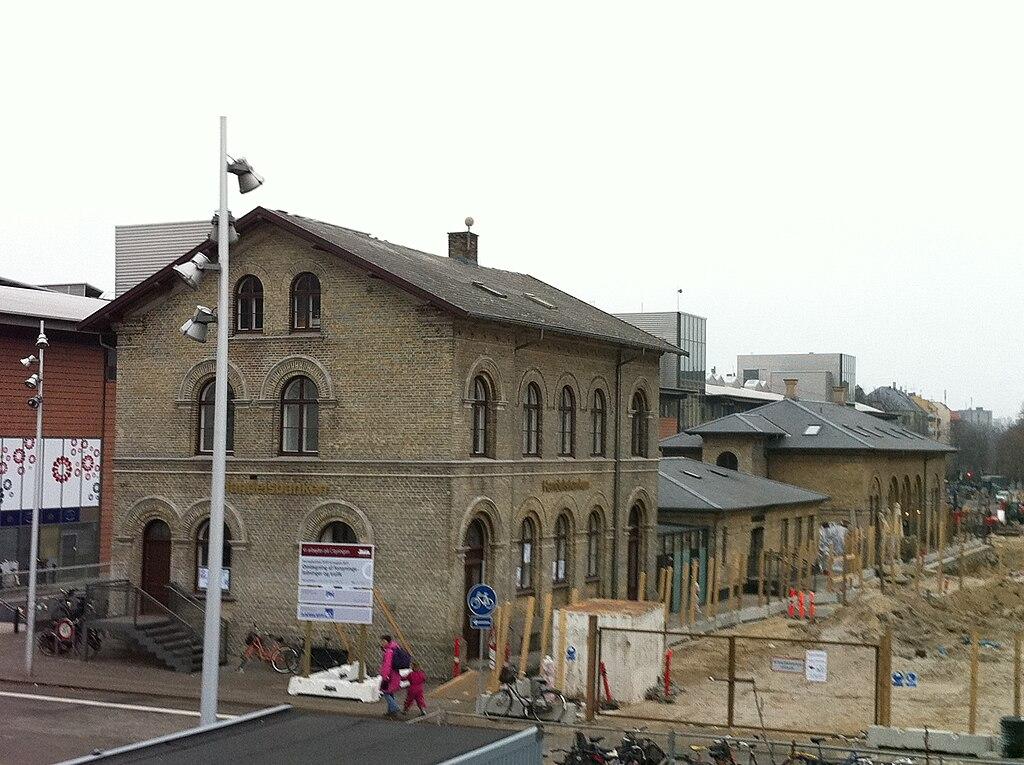 1024px-Frederiksberg_station.JPG