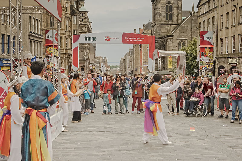 File:Fringe 2014 High Street-Performers MG 0057-001.jpg