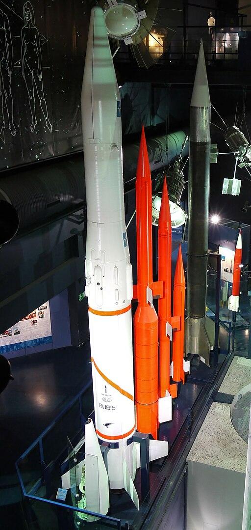 Fusées sondes Rubis Belier Centaure Dragon Veronique Musee du Bourget P1010474