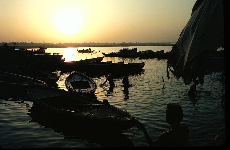 File:Ganges varanasi.jpg