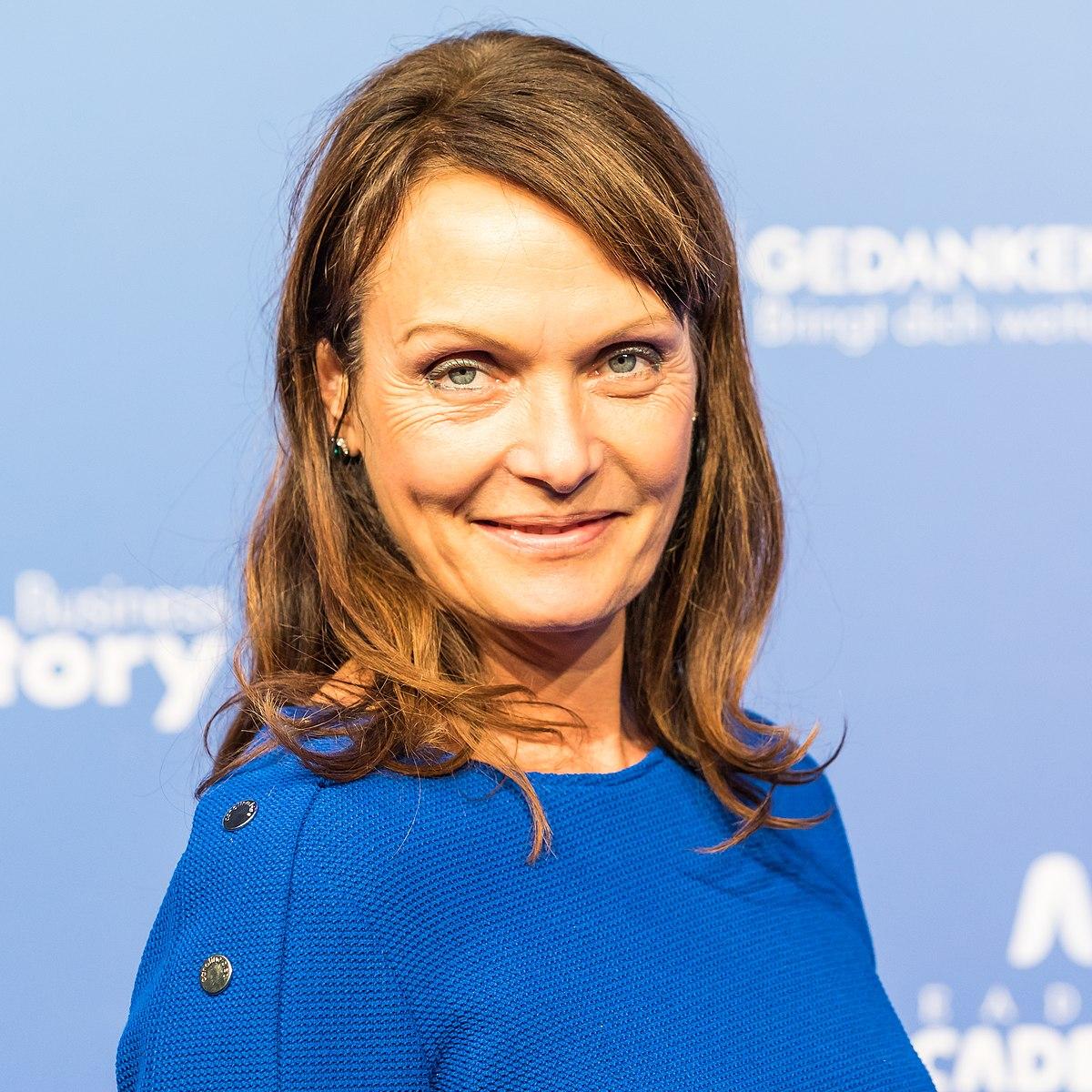 Simone Standl