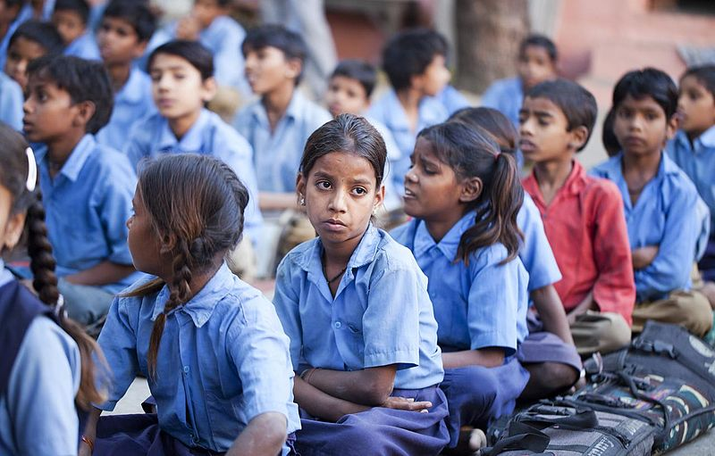 File:Girls and boys at school, Rajasthan (6363969443).jpg