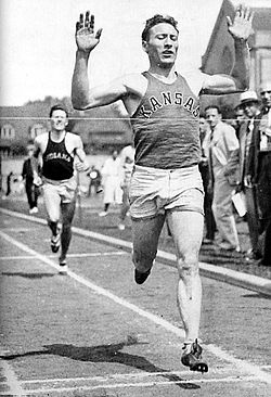 Glenn Cunningham competing for KU circa 1933.jpg
