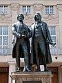 Goethe-Schiller-Denkmal vor dem Deutschen Nationaltheater in Weimar - panoramio.jpg
