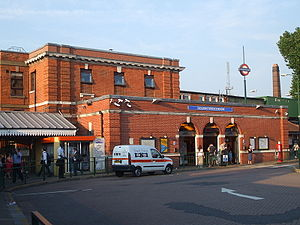 Golders Green tube station - Station entrance
