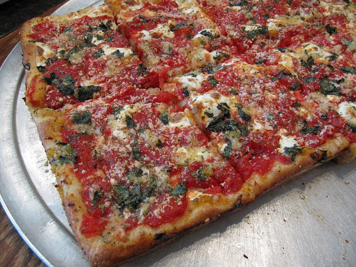 1200px-Grandma-pizza-01.jpg
