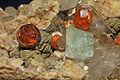 Grenat var. spessartine, fluorine, quartz fumé et orthose (Chine) 2.JPG