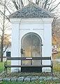GuentherZ 2011-11-12 0050 Goellersdorf Tullnerstrasse Wegkapelle.jpg