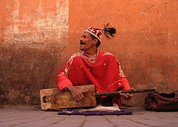 Guimbri player, Marrakech.jpg