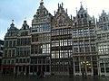 Häuser am Grote Markt Antwerpen.jpg