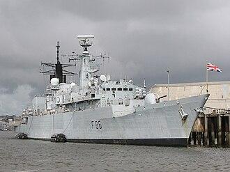 Type 22 frigate - Image: HMS Campbeltown (F86) at HMNB Devonport