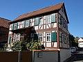Hanau-Mittelbuchen, Hinter der Kirche 7.jpg