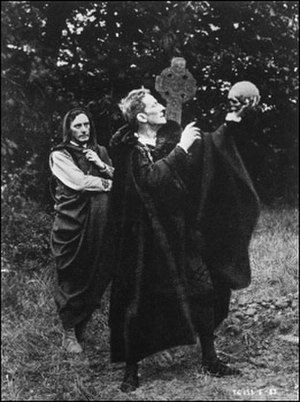 Hamlet (1913 film) - Johnston Forbes-Robertson as Hamlet, and S. A. Cookson as Horatio in Hamlet (1913).