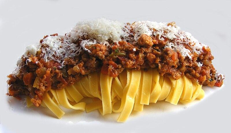 Tagliatelle al ragu plus connu sous l'appellation de pâte à la bolognaise.