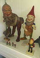 garden gnome wikipedia. Black Bedroom Furniture Sets. Home Design Ideas