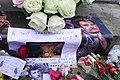 Hommage à Johnny Hallyday, photos et fleurs 2.jpg