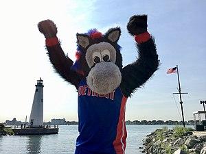 Hooper (mascot) - Hooper at Milliken State Park Lighthouse