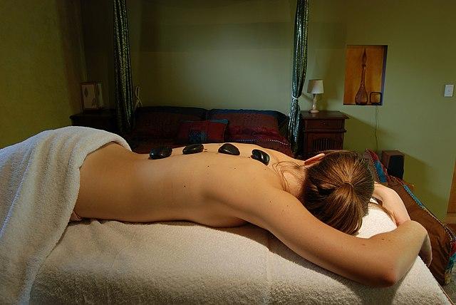 Warm stone massage-2721