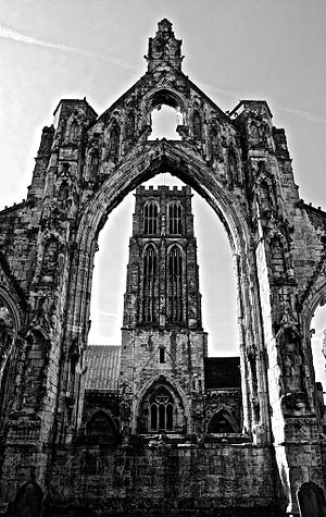 Howden Minster - Image: Howden Minster B&W HDR