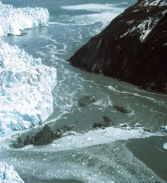 File:Hubbard Glacier May 20.2000.jpg