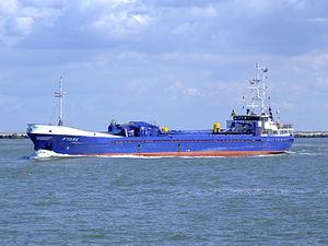 Hydra IMO 7501560 leaving Port of Rotterdam, Holland 29-Aug-2007.jpg