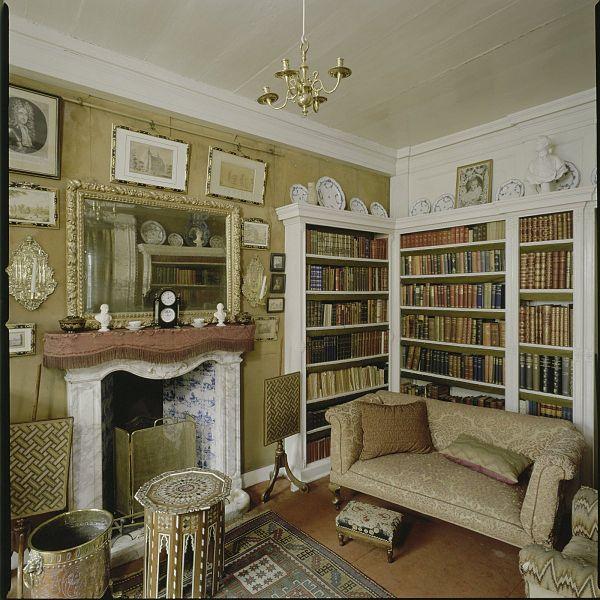 File interieur overzicht van de kleine bibliotheek amerongen 20423786 wikimedia - Interieur bibliotheek ...
